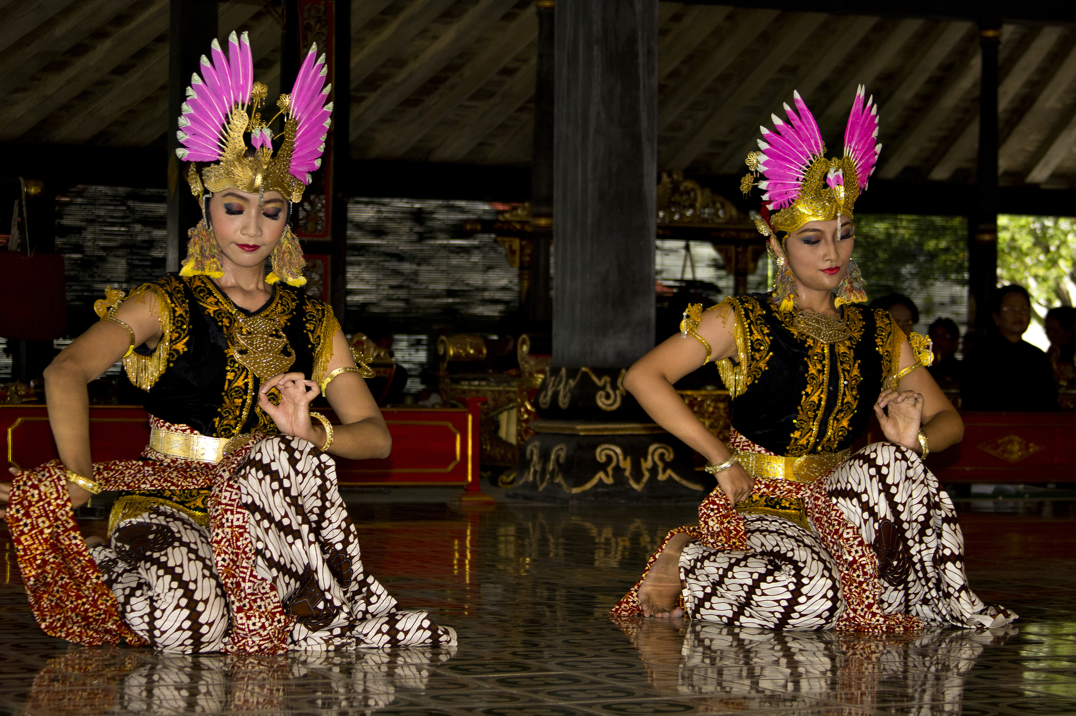 Custom Travel Planner Network-Indonesia-Yogyakarta Dancers