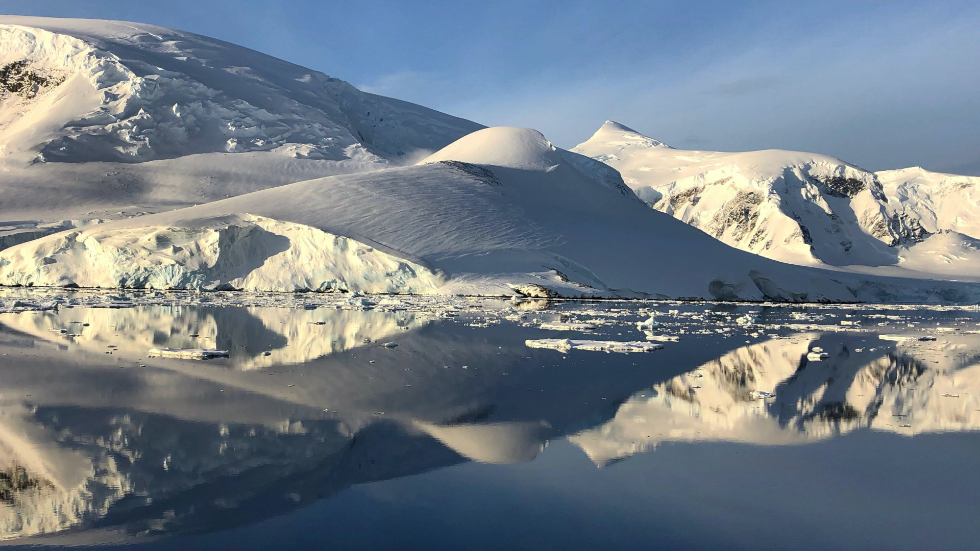 Custom Travel Planner Network-Antarctica-Ice Floes